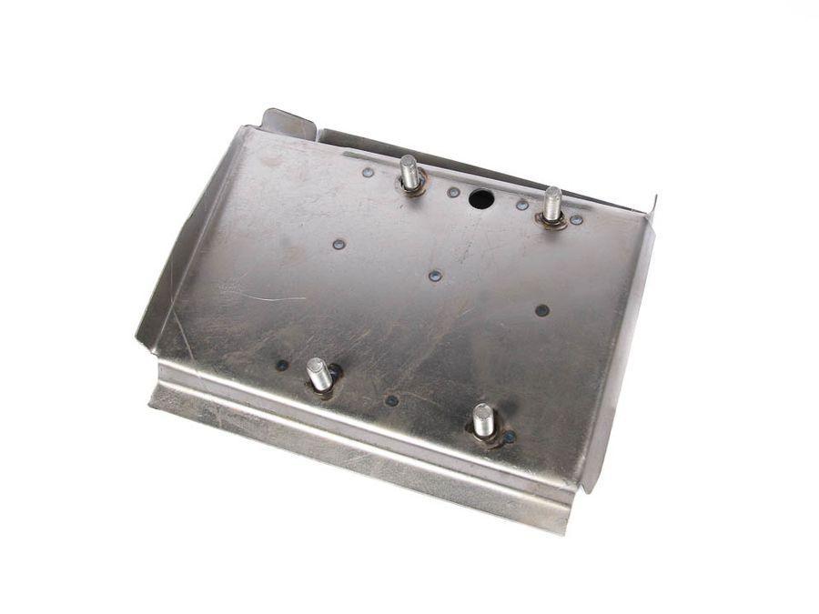 Площадка реактивной тяги 2121-21214 правая (1,2 мм) усиленная (со шпильками)